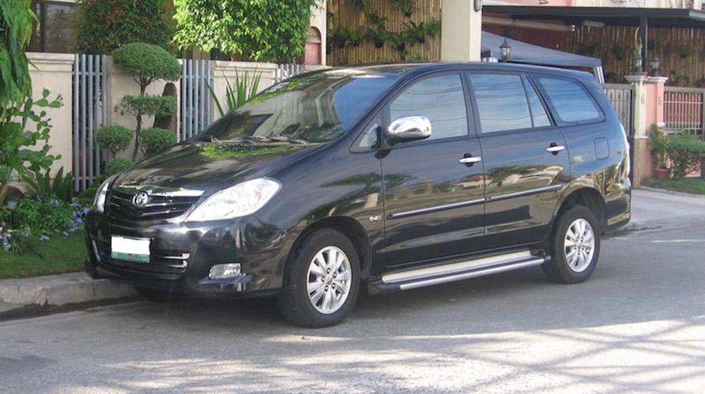 2009-2010_Toyota_Innova_Ph-1.jpg