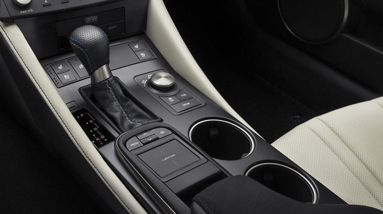 Lexus-TF-C-vs-BMW-M4-27.jpg