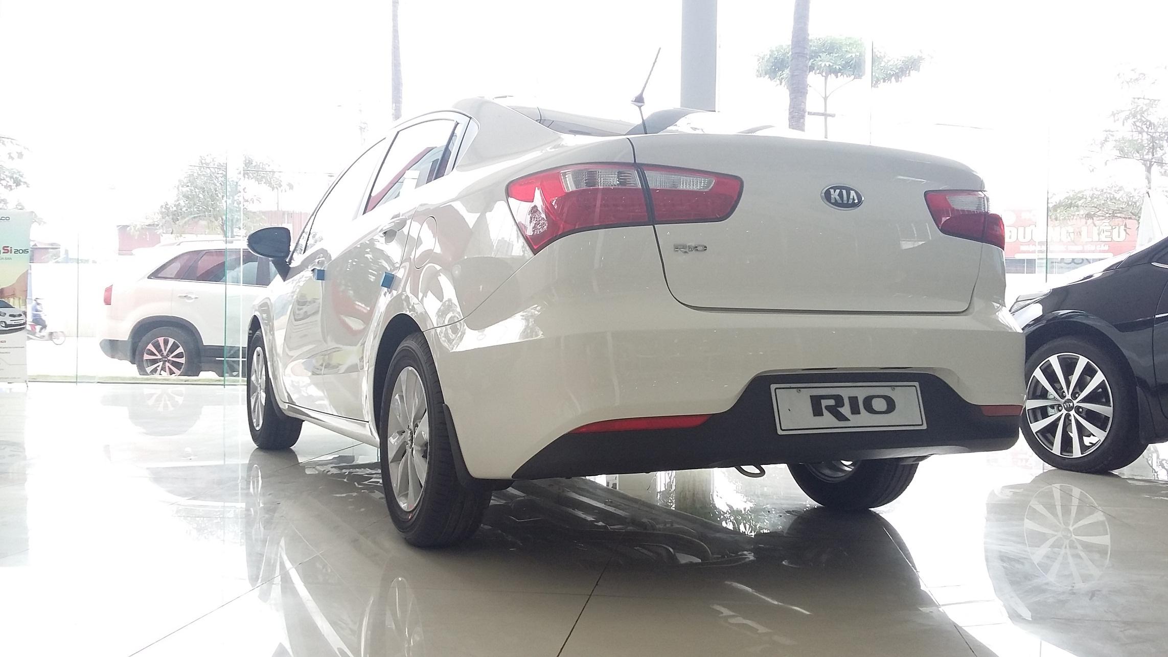 Xe Rio Sedan Jpg