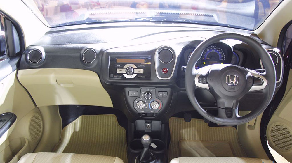 Honda-Mobilio-Launch-Dashboard.jpg
