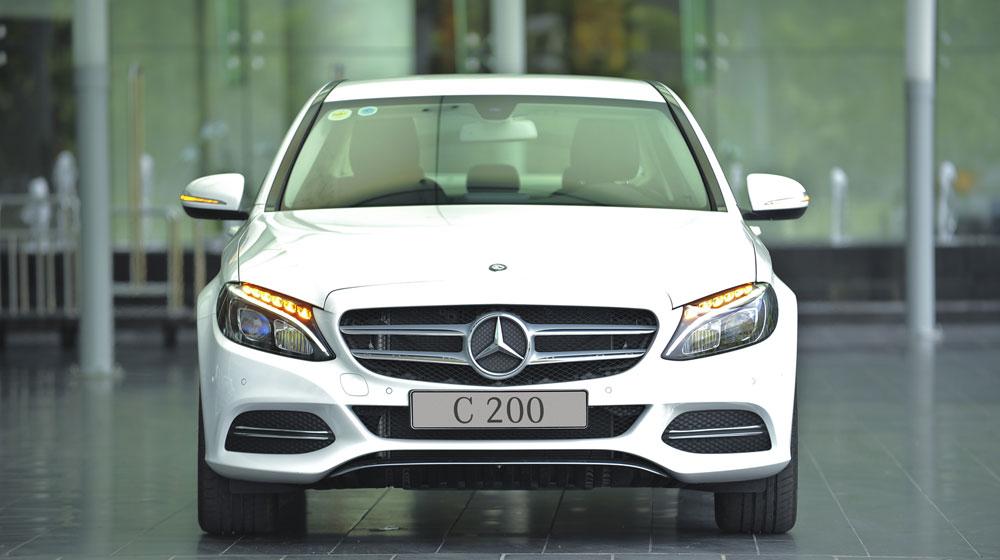 Mercedes-benz-C200-(23).jpg