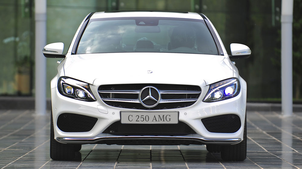 Mercedes-benz-C250-AMG-(2).jpg