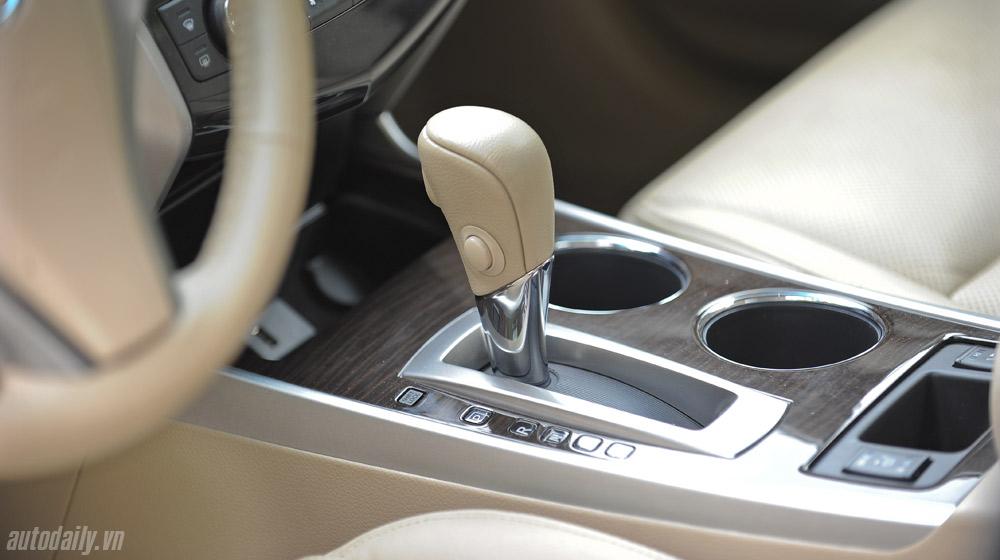 Nissan Teana 2014 (46).jpg