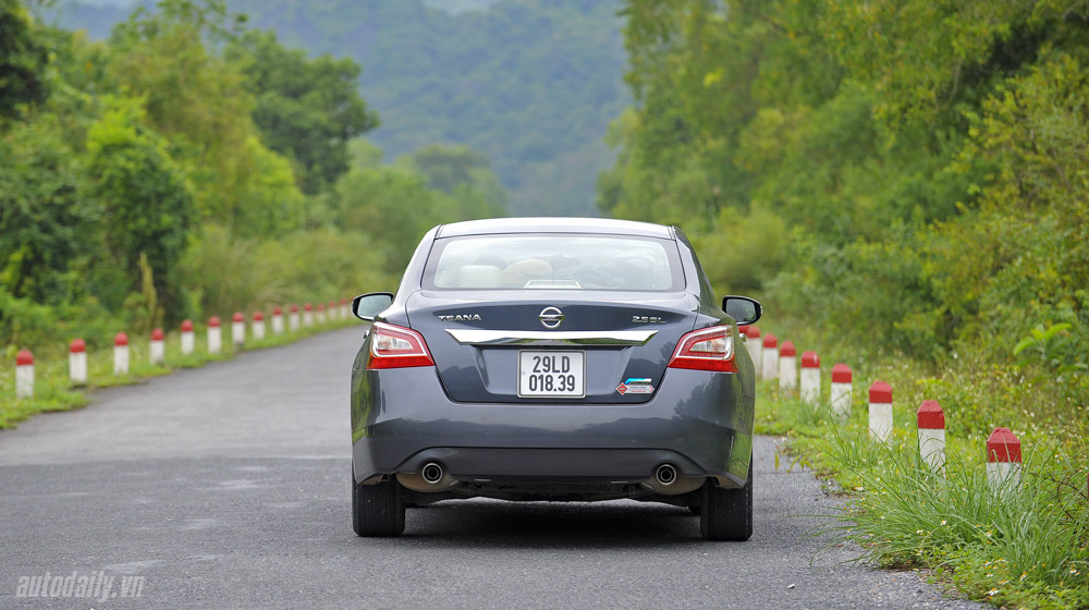 Nissan Teana 2014 (5).jpg