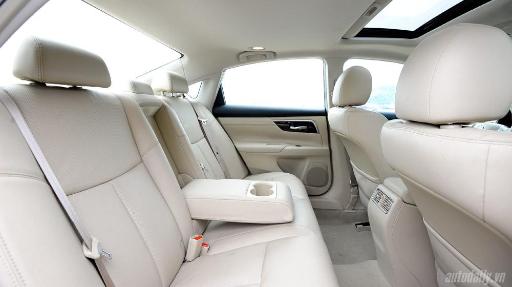 Nissan Teana 2014 (63).jpg