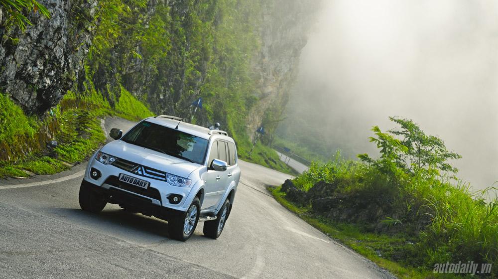 """Những công nghệ """"đỉnh cao"""" trên Mitsubishi Pajero Sport phiên bản mới"""