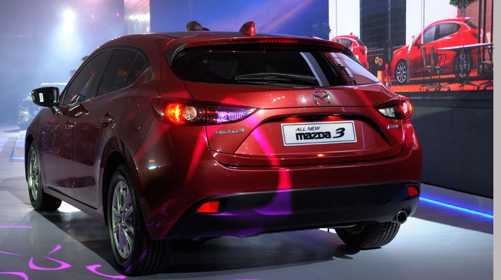 """từ 749 triệu đồng, Mazda3 2015 """"dọa"""" soán ngôi Toyota Altis"""