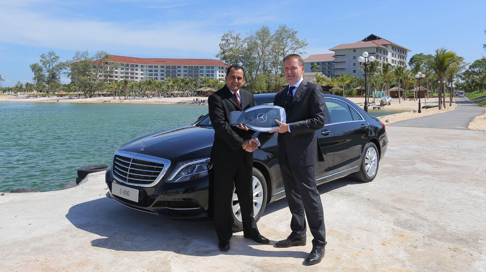 Mercedes-Benz Việt Nam bàn giao S 400 L cho Vinperl Phú Quốc