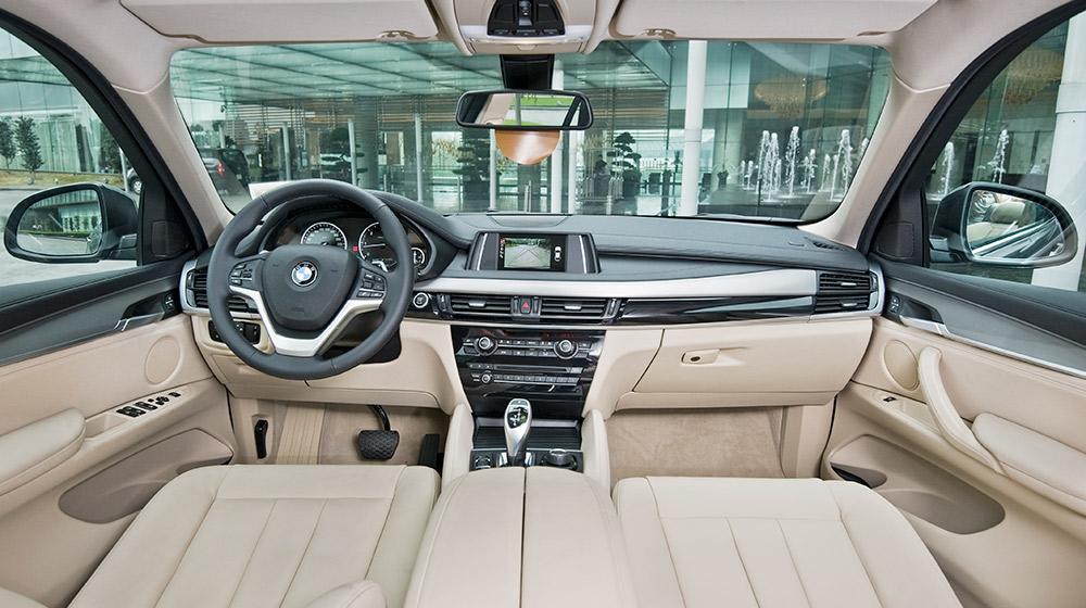 BMW X6 xDrive30d Black Sapphire.jpg