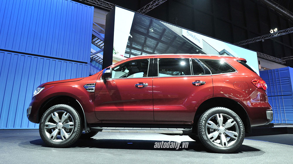 ford-everest-2015-bangkok (5).jpg