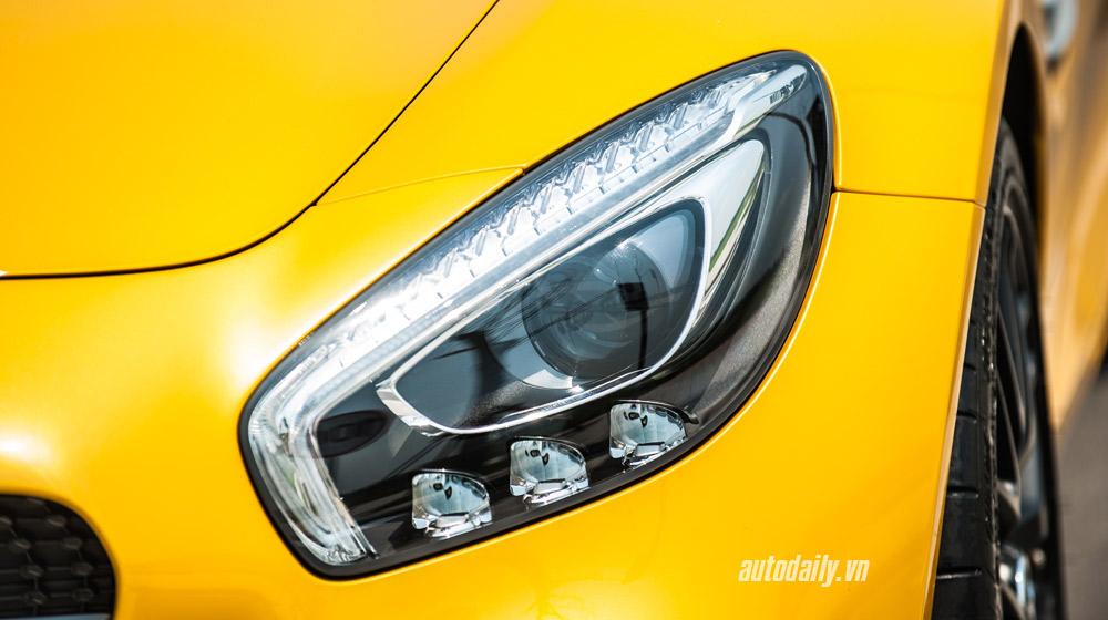 mercedes-AMG-GT-S-(6).jpg