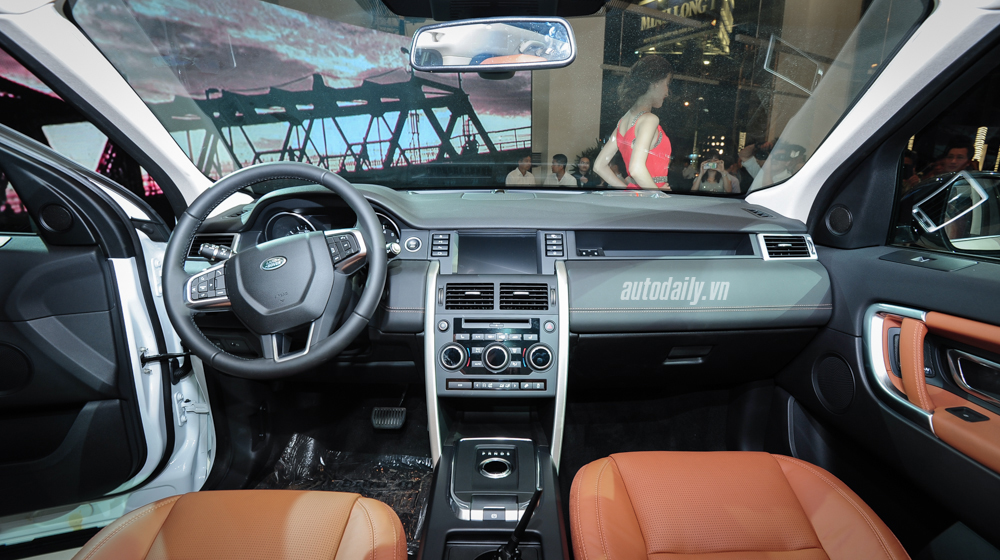 Land_Rover_Discovery_Sport_2015 (12).jpg