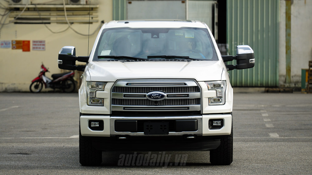 Ford F150 Platinum (5).jpg