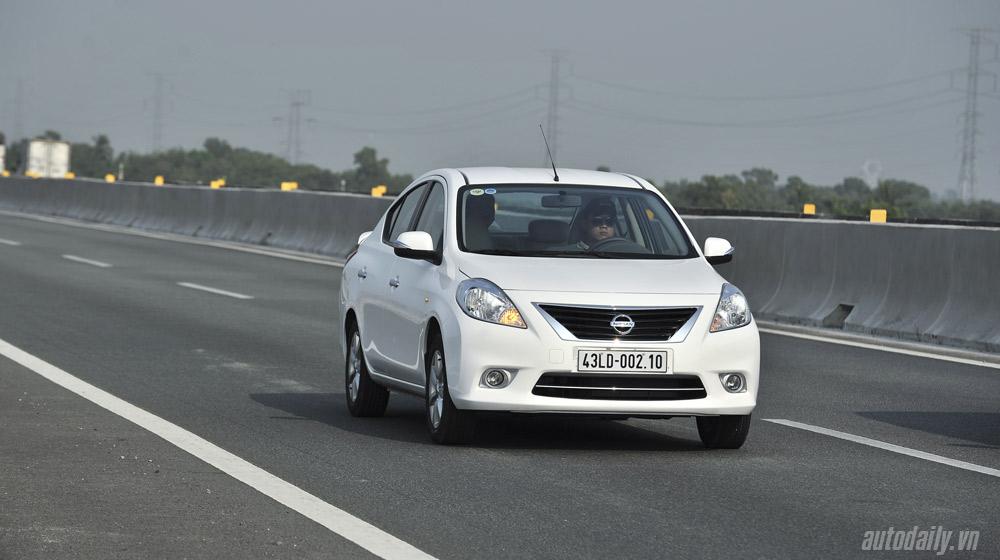Nissan Sunny (3)-1.jpg