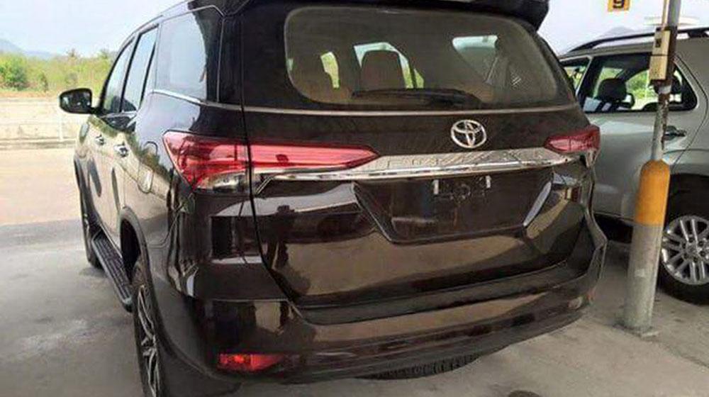 2016-Toyota-Fortuner-3.jpg