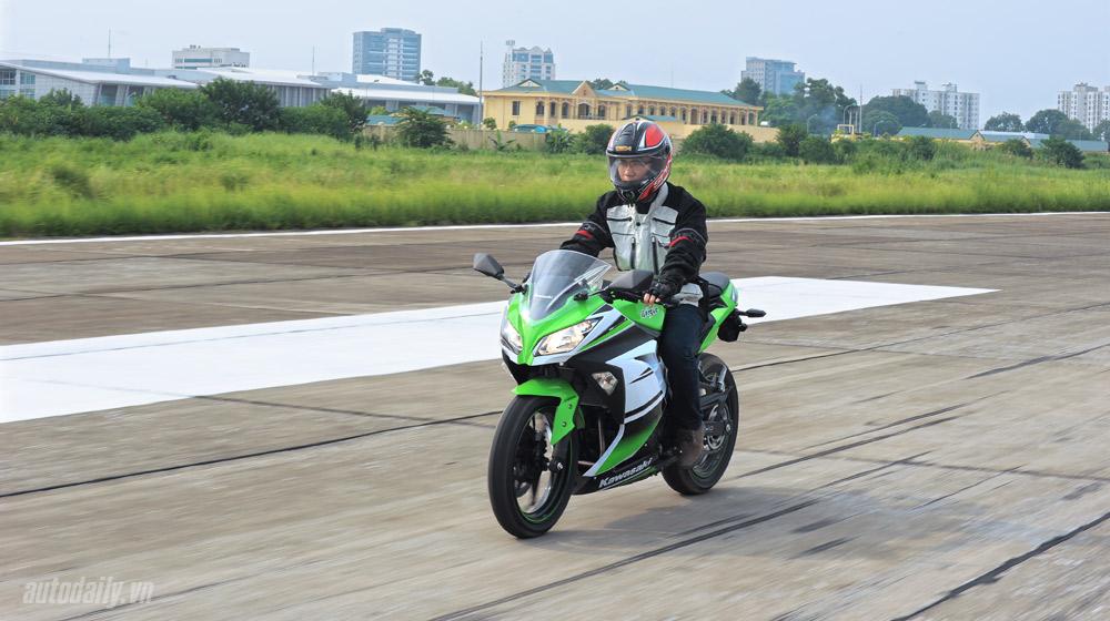 Kawasaki Ninja300 (30).jpg