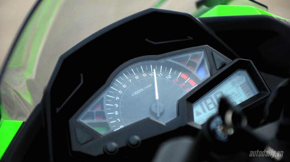 Kawasaki Ninja300 (43).jpg