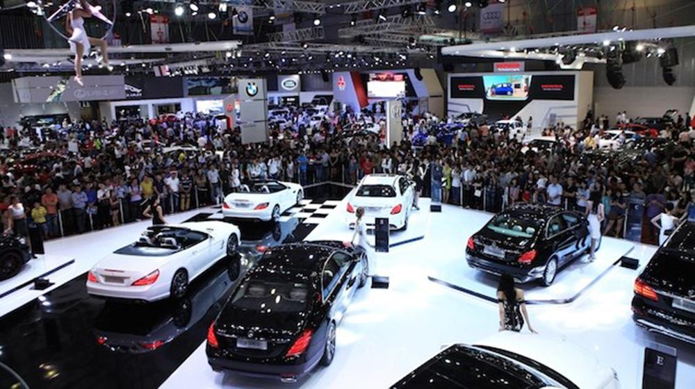 Buôn ôtô lãi gấp 5-7 lần năm ngoái