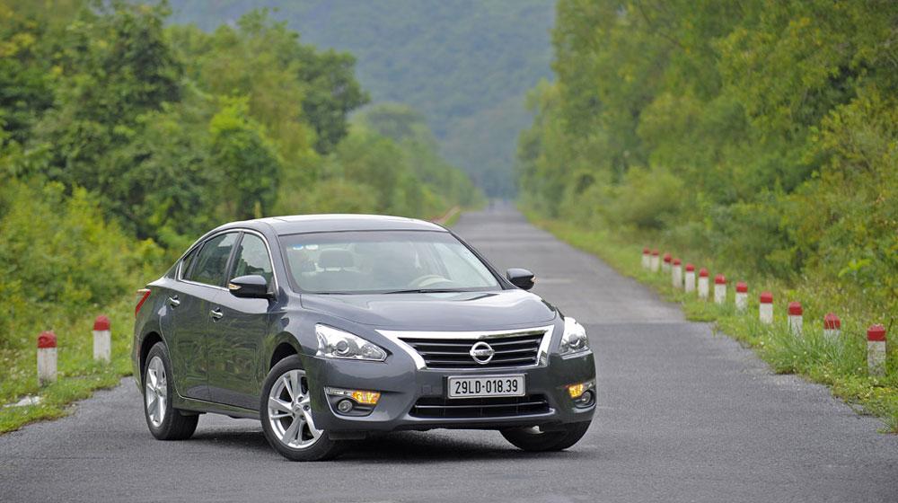 Nissan-Teana.jpg
