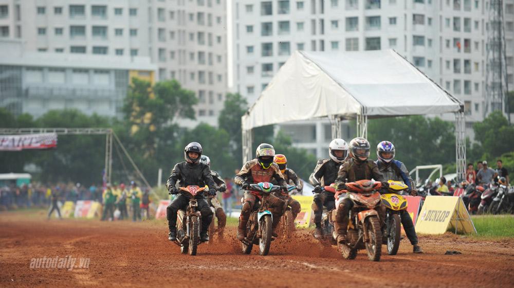 """Những cái """"nhất"""" của giải đua xe máy đường đất tại Sài Gòn"""