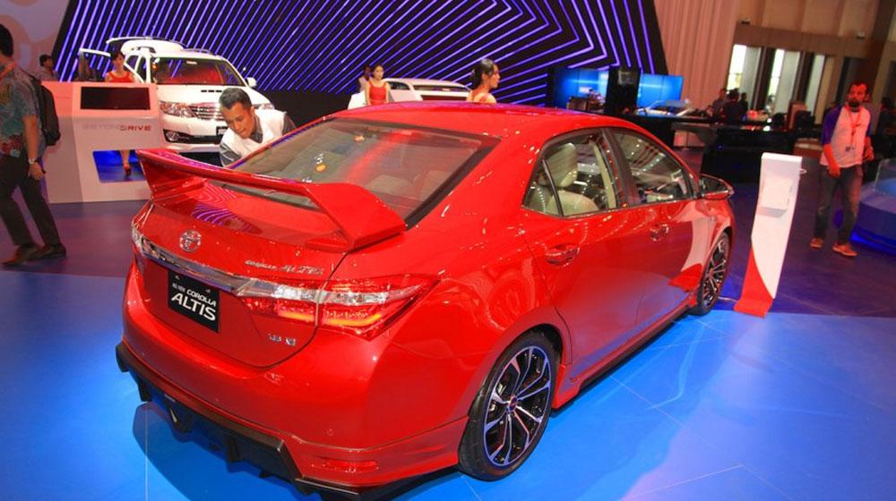 Toyota Corolla Altis TRD Sportivo 2015 (2).jpg