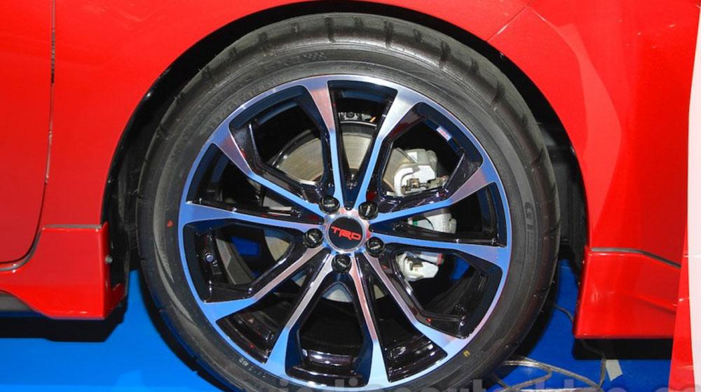 Toyota Corolla Altis TRD Sportivo 2015 (4).jpg