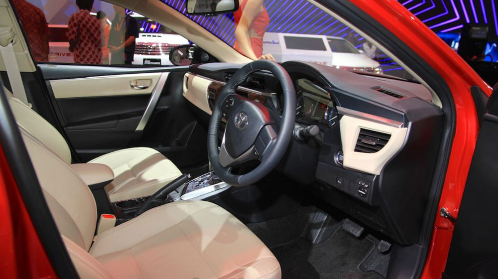 Toyota Corolla Altis TRD Sportivo 2015 (7).jpg