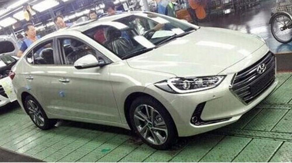 2017-Hyundai-Elantra-15.jpg