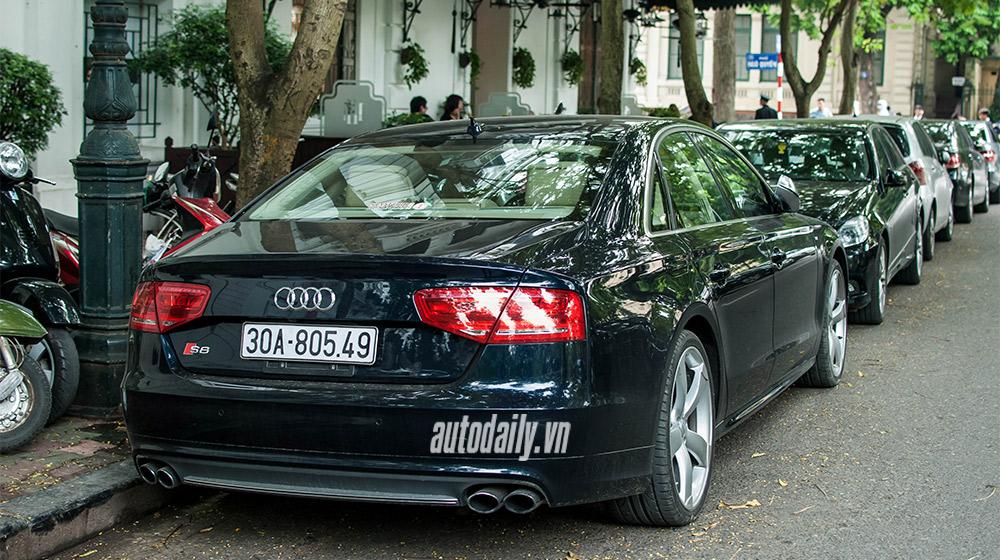 Audi-S8-2013-(10).jpg
