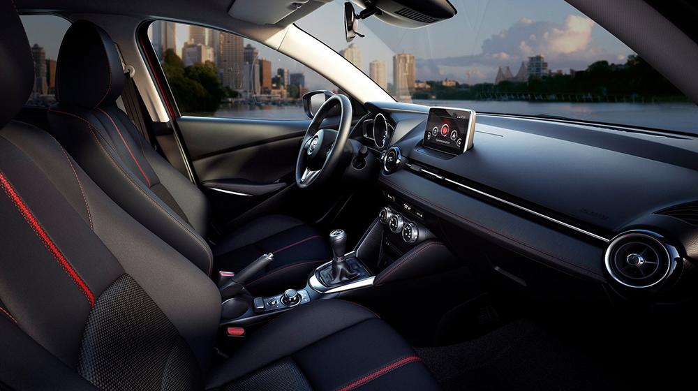 Mazda2_sedan (9).jpg