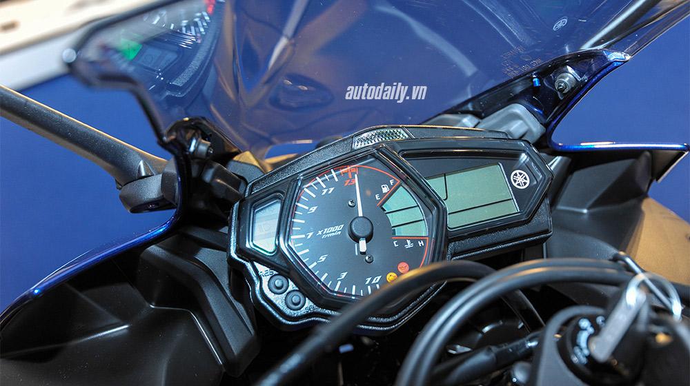 Yamaha R3 (4).jpg