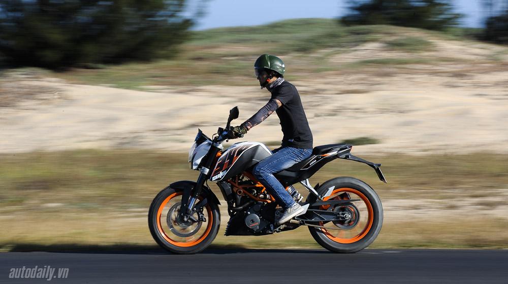 KTM 390 Duke_14.jpg