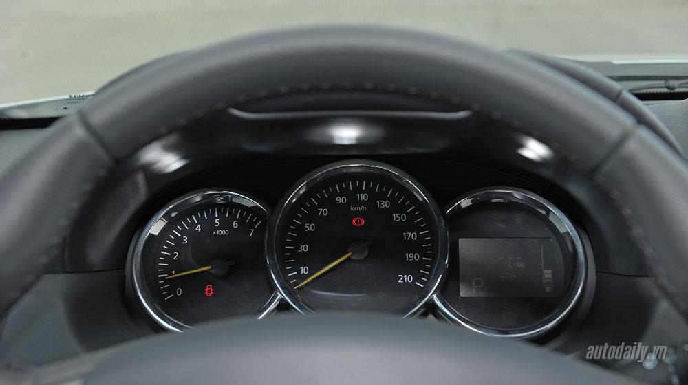 renault-duster-interior-(10).jpg