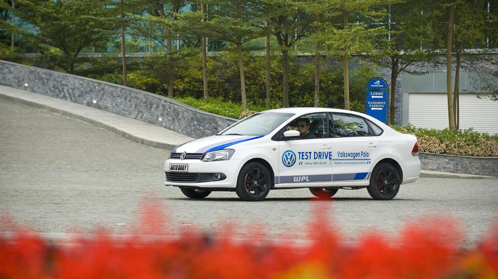 Volkswagen-Polo-Sedan-Test-Drive (5).jpg