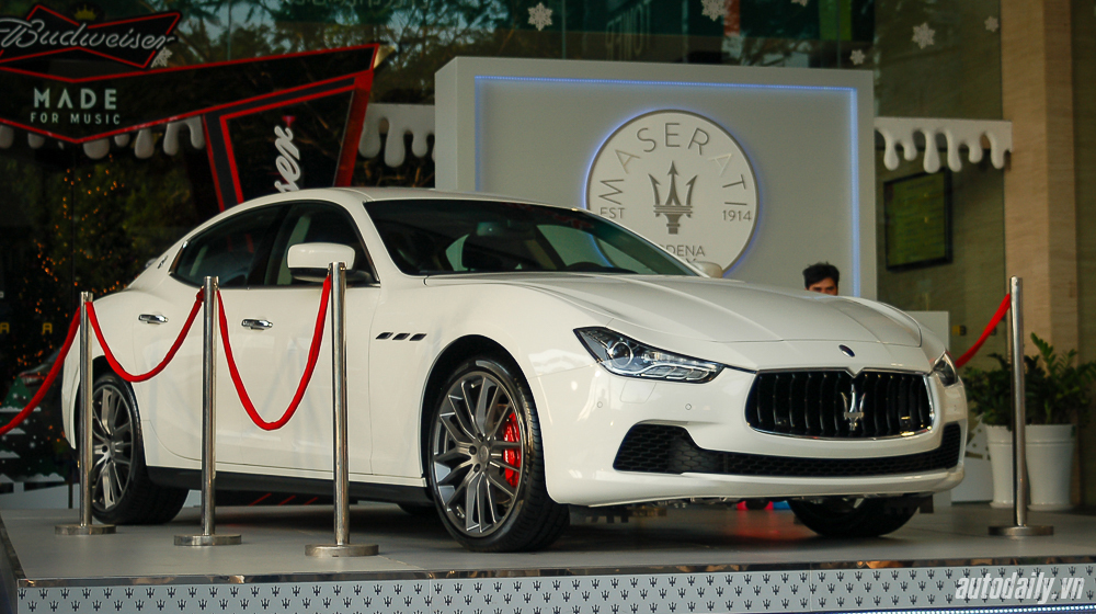 Maserati_Ghibli (1).jpg