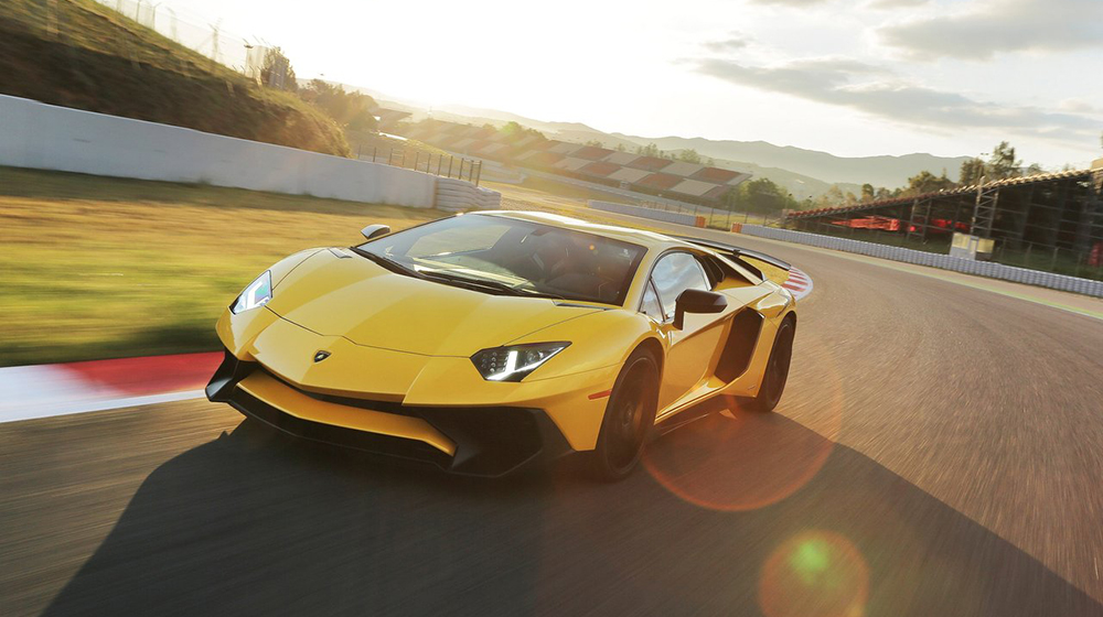 Siêu xe, xe sang phá kỷ lục doanh số (4).jpg