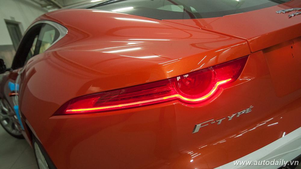 Jaguar F-Type (6).jpg