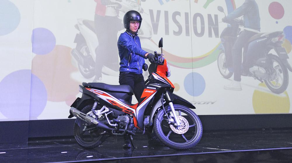 Honda-Blade-110-2014 (1).jpg