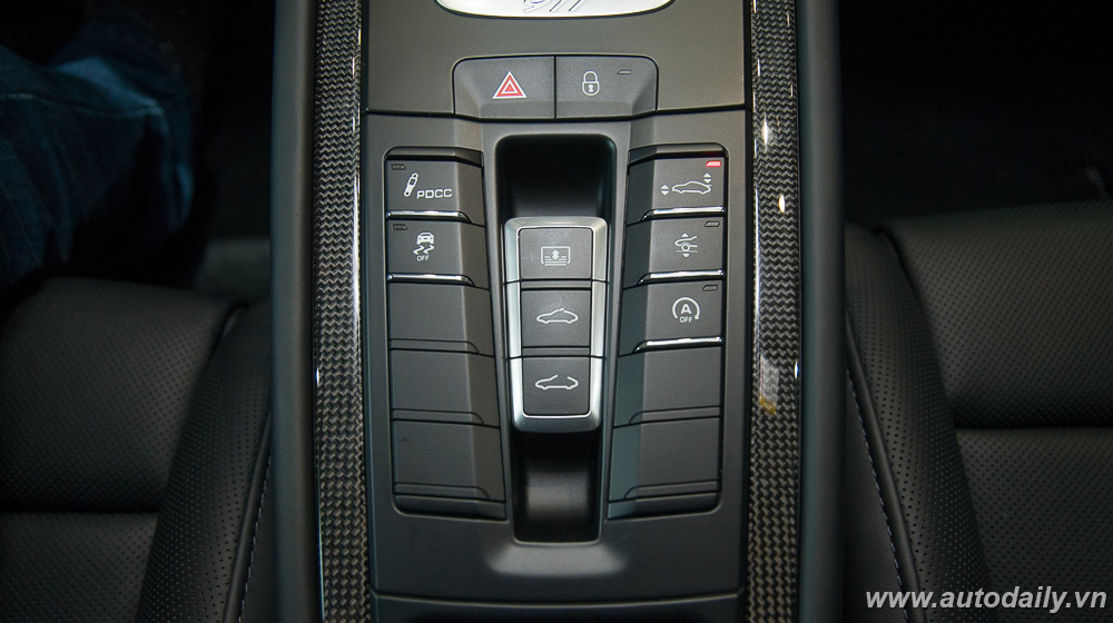 Porsche_911_Turbo_S (36).jpg