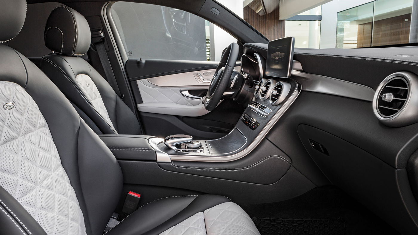 2017-Mercedes-Benz-GLC-Coupe-interior-1.jpg