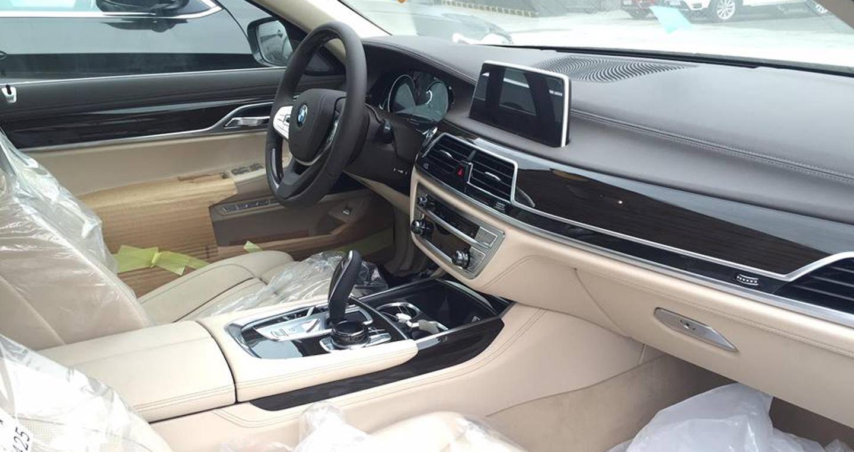 BMW 750Li 2016 (9).jpg