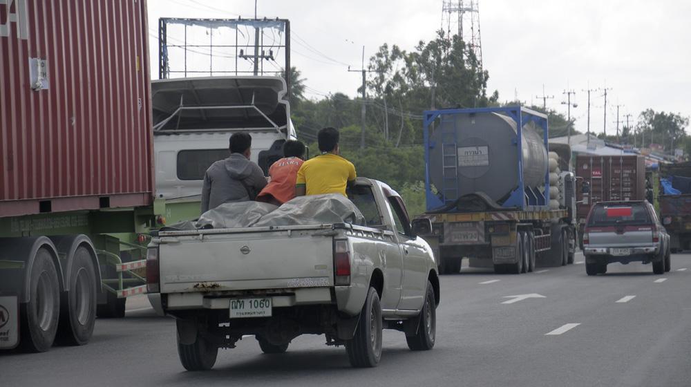 mercedes-caravan-vietnam-campuchia-thailand 1 (17).jpg