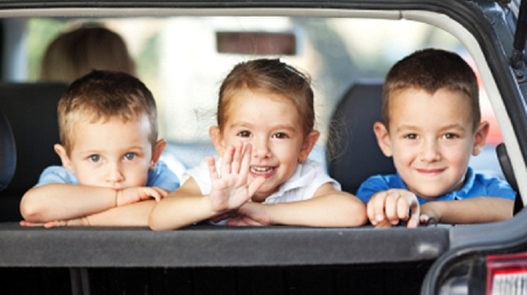travel with kids 10 lời khuyên hữu ích khi lái xe có trẻ em