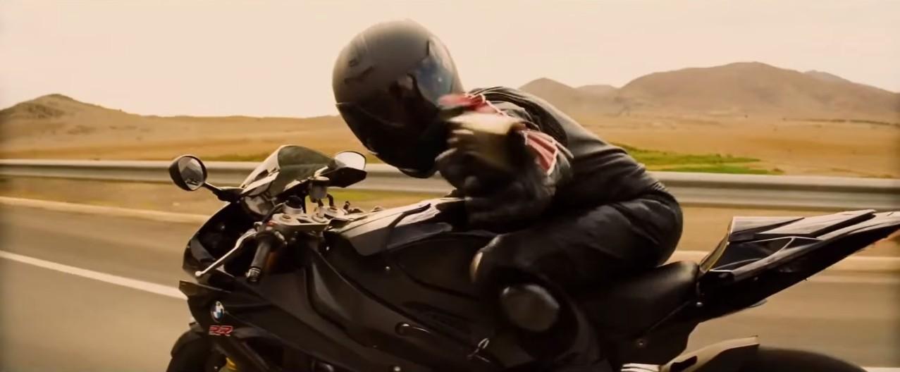 """Tom Cruise """"cưỡi"""" BMW S1000RR trong Nhiệm vụ bất khả thi 5"""