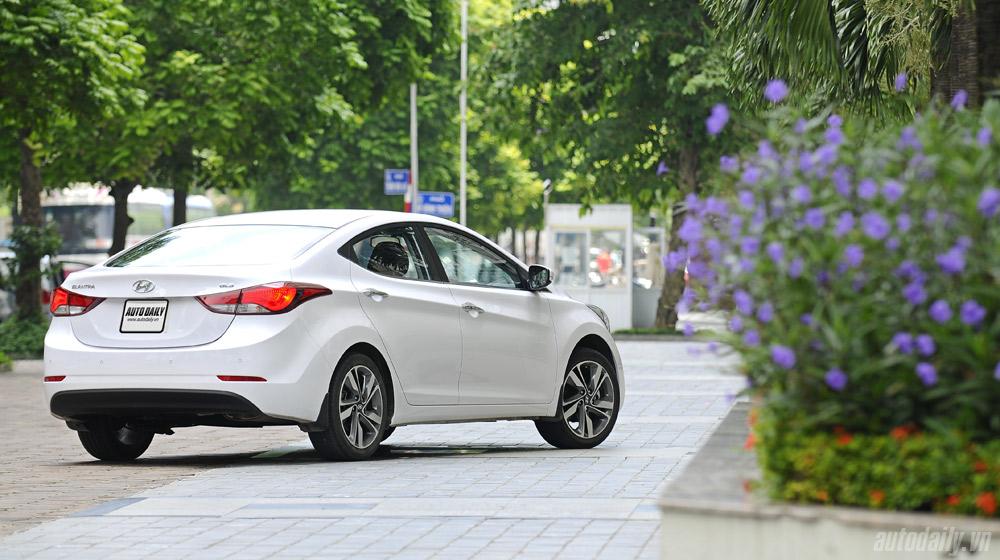 Hyundai-Elantra (3).jpg