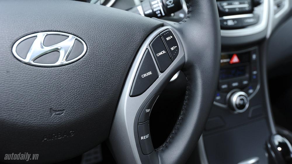 Hyundai-Elantra (41).jpg