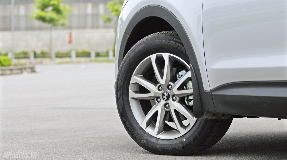 Hyundai-Santafe-2014 (20).jpg