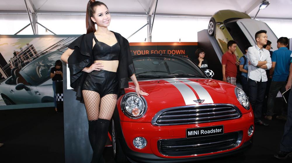 Về Việt Nam, Mini Cooper Roadster có giá 1,618 tỷ đồng - 1