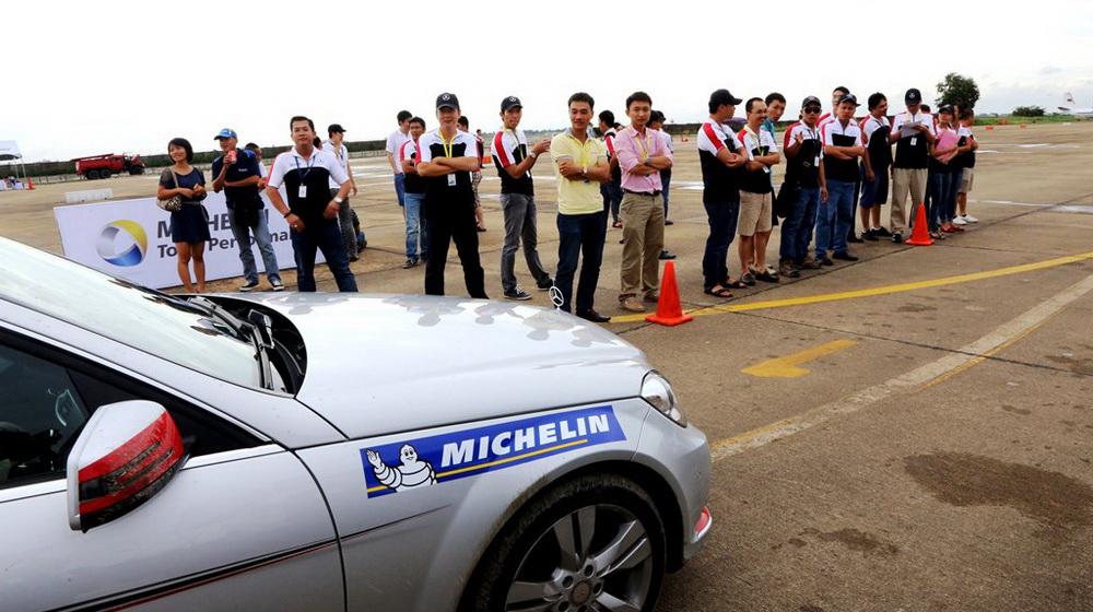 Hang lop xe cao cap Michelin se tiep tuc dong hanh cung chuong trinh.JPG