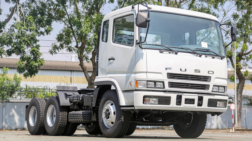fuso-tractor (1).jpg